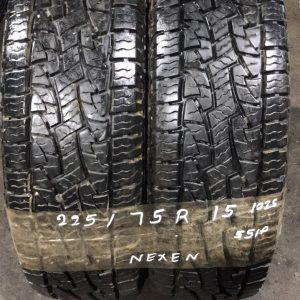 225-75-R15 102S Nexen 551P